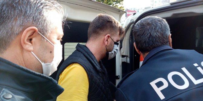 Adana'da Türk bayrağına zarar veren şüpheli gözaltına alındı