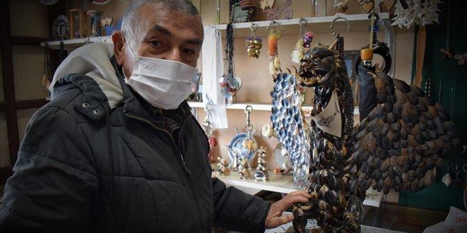 Deniz kabuklarından yaptığı eserler 55 yıldır evleri süslüyor