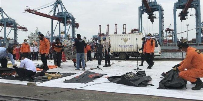 Operasi SAR Sriwijaya Air SJ182 berhenti sementara karena cuaca