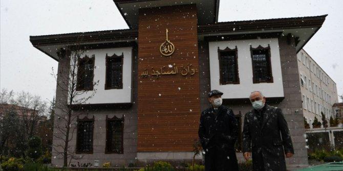 İçişleri Bakanı Soylu 'karda yürüyüş' fotoğraflarını paylaştı