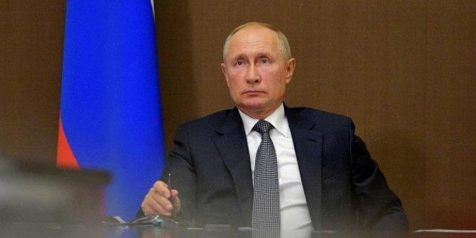Putin'den COVID-19'a karşı geniş çaplı aşılama talimatı