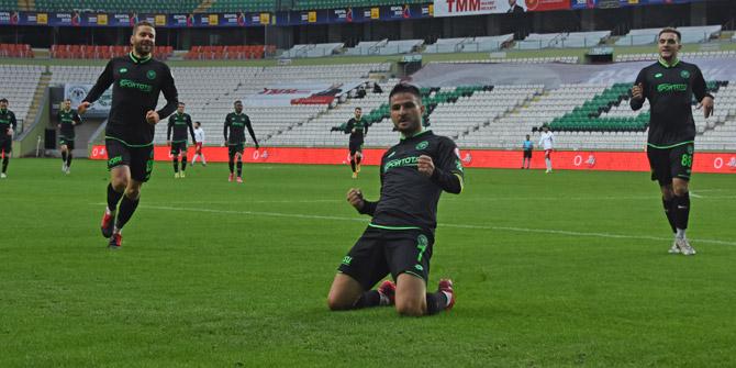 Konyaspor'da Ömer Ali sol bekte oynadı