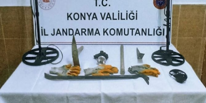 Konya'da izinsiz define arayan 3 kişi suçüstü yakalandı