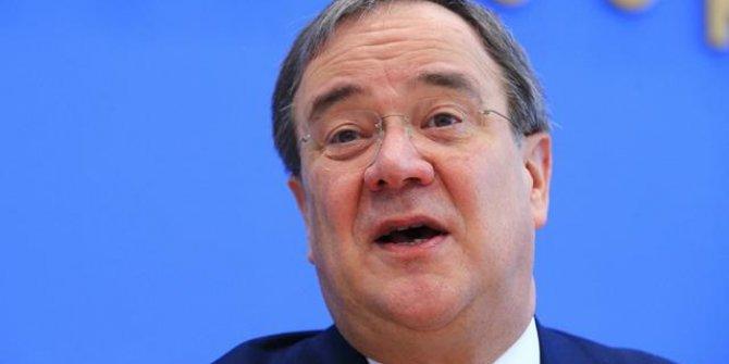 Merkel'in partisinin genel başkanlığına Laschet seçildi