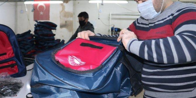 Okullar açılmayınca çantalar elde kaldı