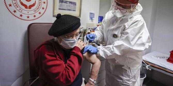 Huzurevleri ve bakımevlerinde aşı uygulaması başladı
