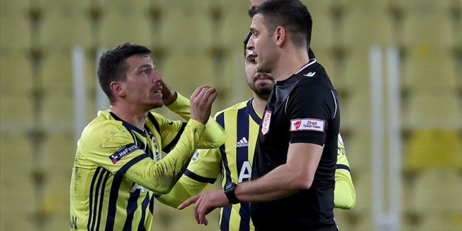 PFDK'den Fenerbahçeli futbolcu Mert Hakan Yandaş'a 1 maç ceza