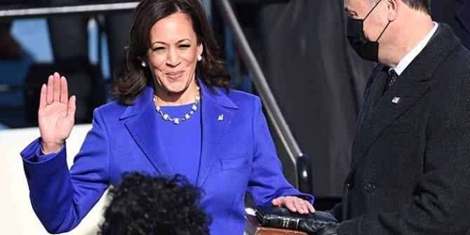 ABD'nin ilk kadın başkan yardımcısı Kamala Harris göreve başladı