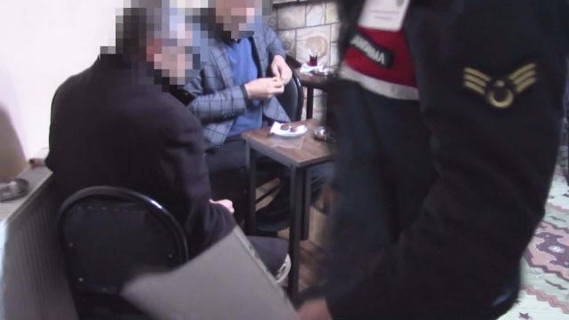 Yazlıkta kumar oynayan 11 kişiye 52 bin 855 lira ceza