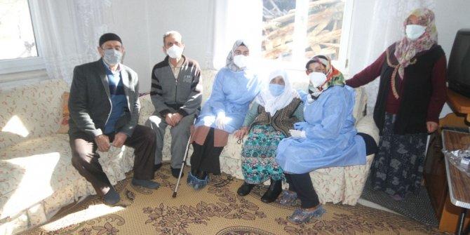 Beyşehir'de 85 yaş üstü kişilere korona virüs aşısı yapılmaya başlandı