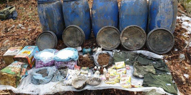 PKK'lıların kullandığı sığınakta patlayıcı ve yaşam malzemesi ele geçti