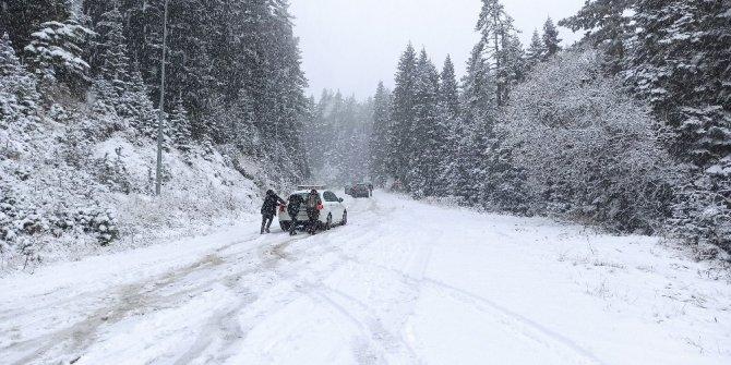 Ilgaz Dağı'nda beklenen kar yağışı başladı