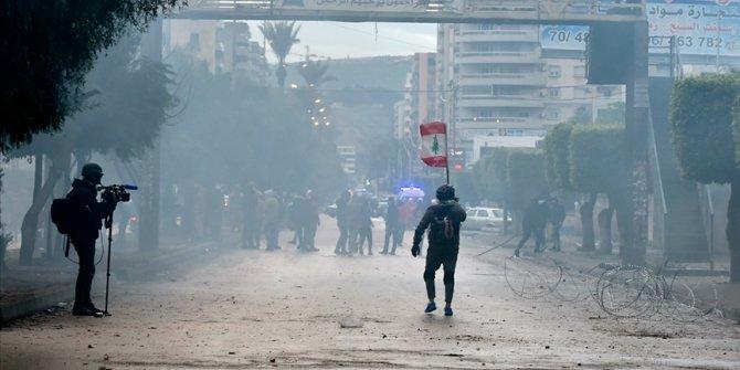 Lübnan'da devam eden gösterilerde 100'den fazla kişi yaralandı