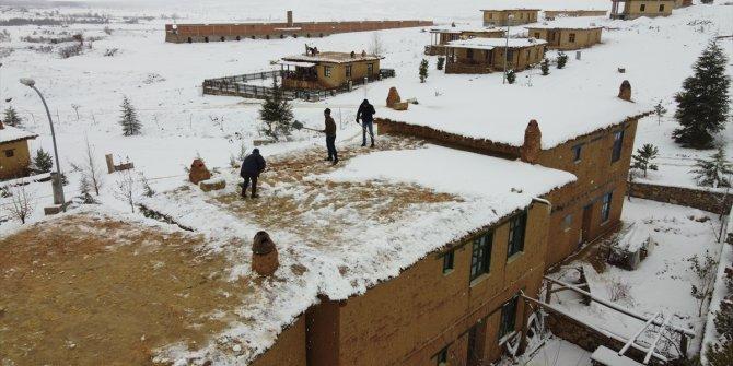 Sonsuz Şükran Köyü kar manzarasıyla ayrı güzelliğe büründü