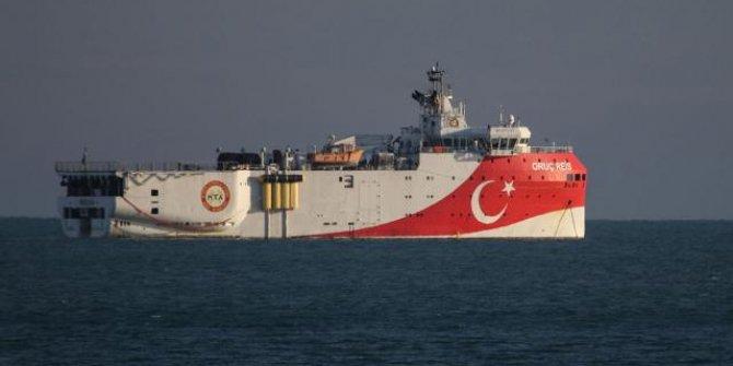 Oruç Reis gemisi ikmal için Antalya açıklarında