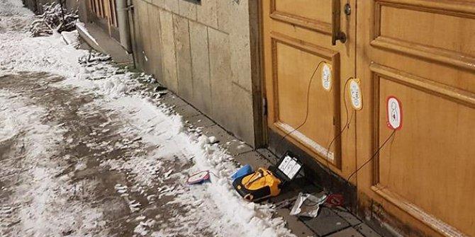 İsveç'te camide bomba paniği: Bomba düzeneğine benzer kutu bulundu