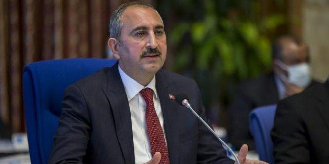 Adalet Bakanı Gül: Hadsizlerin Kabe'ye saygısızlığına hukuk göz yumamaz