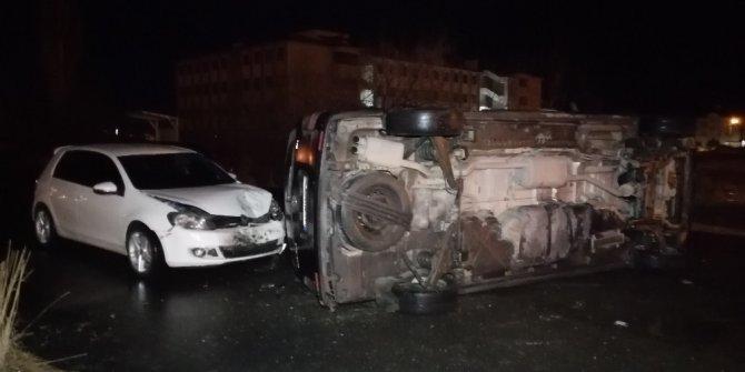 Aksaray'da 3 aracın karıştığı kazada 2 kişi yaralandı