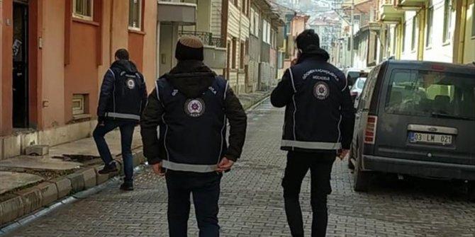 25 irregular migrants held in western Turkey