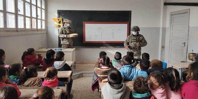 Barış Pınarı bölgesinde PKK/YPG'nin tuzakladığı mayın/EYP'lere karşı eğitimlere devam ediliyor