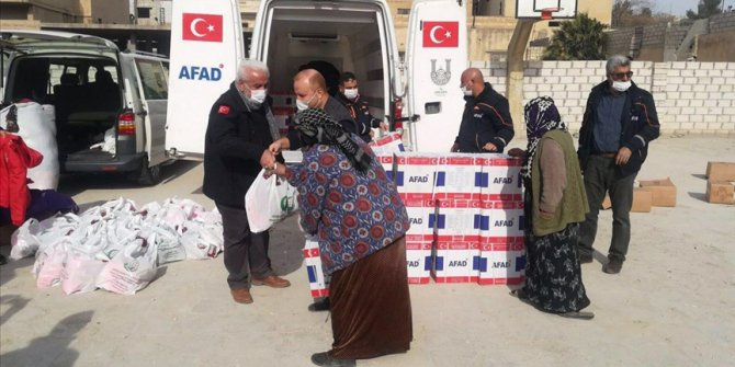 Milli Savunma Bakanlığı, Barış Pınarı bölgesindeki köylere erzak yardımı yaptı