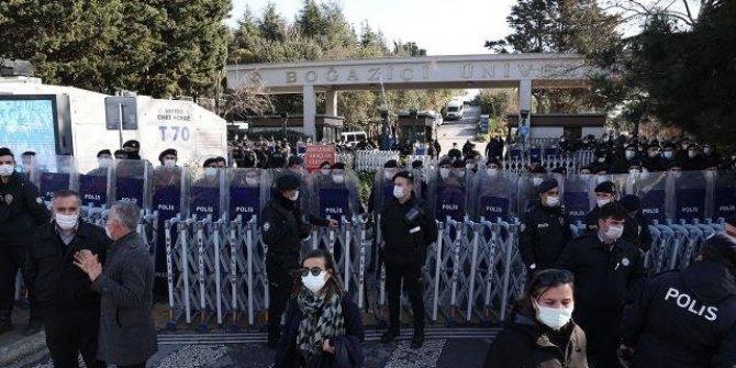 Boğaziçi eyleminde dün gözaltına alınanlardan 98'i serbest; 10 kişiye ise ev hapsi verildi