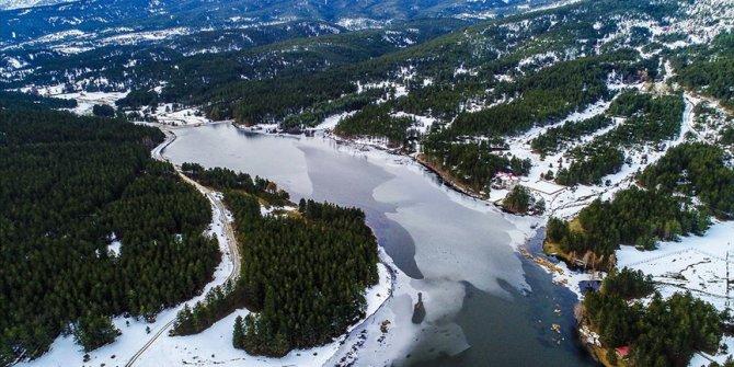 Tabiat harikası Akdağ'daki kış güzelliği hayran bırakıyor