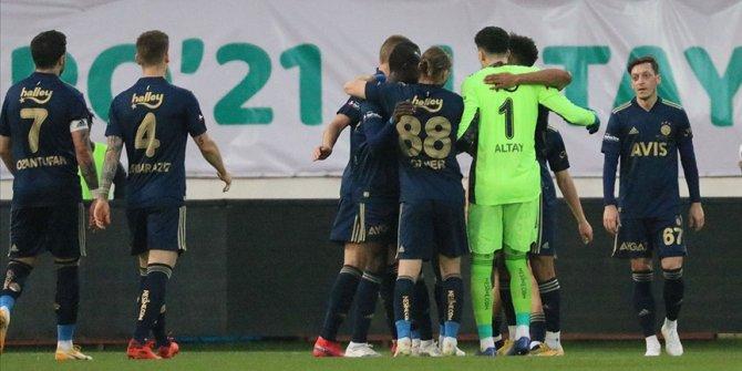Fenerbahçe derbi öncesi iç sahada performansını arttırdı