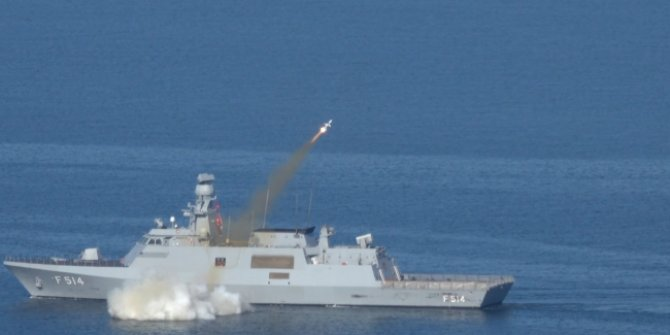 Milli füze 'Atmaca' hedefi başarıyla vurdu