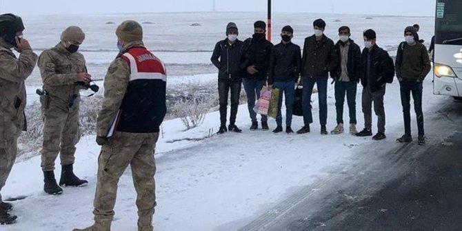 52 irregular migrants held in eastern Turkey