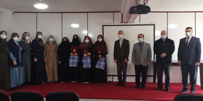 Kur'an Kursu öğrencilerine hafızlık belgeleri verildi