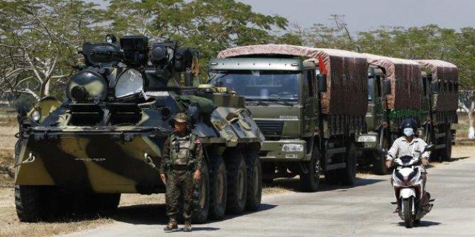 Myanmar'da 300 milletvekili askeri cunta yönetimini reddetti