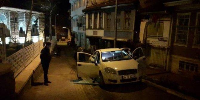 Kısıtlamada yakalanınca görüntü alan gazeteciye saldırdı
