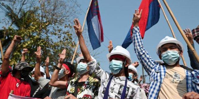 Myanmar'da darbe karşıtı gösteriler sürüyor