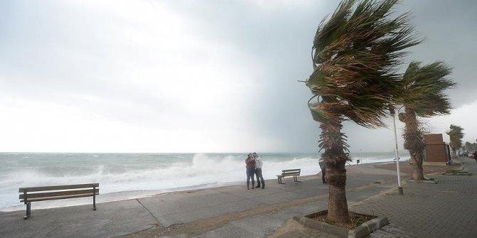 Meteoroloji, kuzey, iç ve batı bölgeler için fırtına uyarısında bulundu