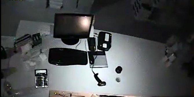 Polis, 55 ayrı suç dosyası bulunan hırsızlık şüphelisini arıyor