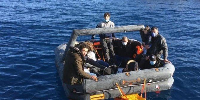 12 düzensiz göçmen kurtarıldı