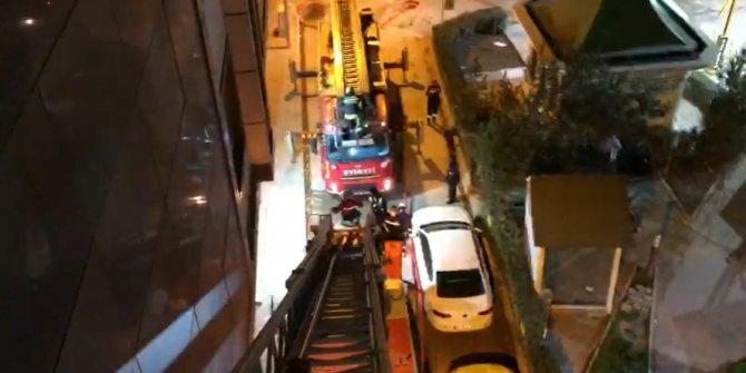 Oteldeki yangında 5'inci katın penceresinden atladı