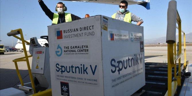 U Crnu Goru stiglo pet hiljada doza vakcine Sputnjik V