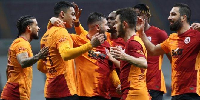 Galatasaray Mustafa Muhammed ile güldü