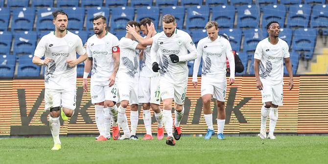 Konyaspor'un yenilmezlik serisi devam etti