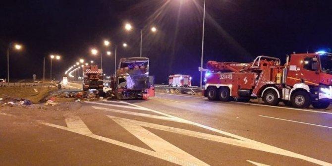 Polonya'da yolcu otobüsü kaza yaptı: 6 ölü, 41 yaralı