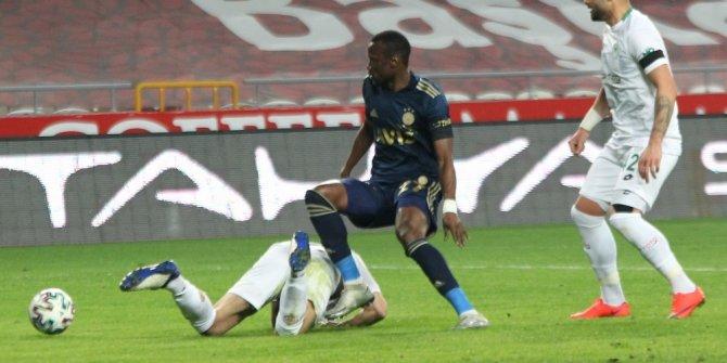 Konyaspor: 0 - Fenerbahçe: 2 (İlk yarı)