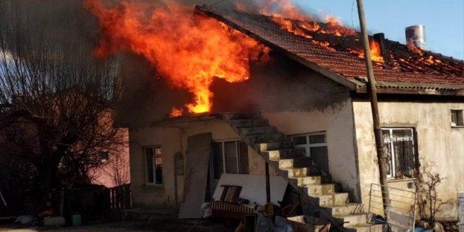 Konya'da ev yangını söndürüldü