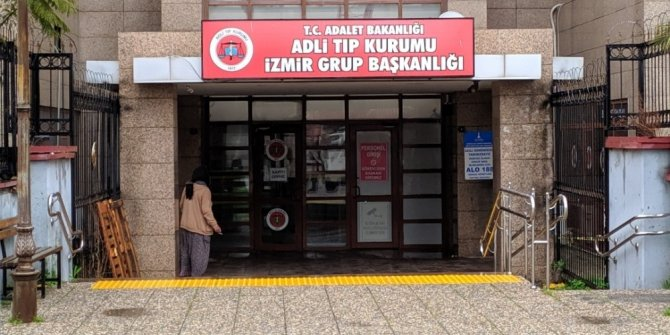 İzmir'deki damat dehşetinin ardından cenazeler adli tıptan alındı