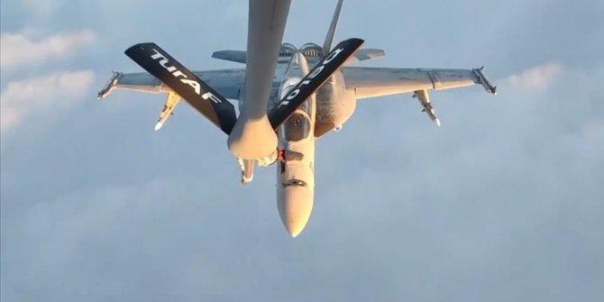 Turski vojni avion nadopunio gorivo za američke vojne avione tokom leta