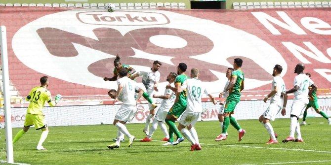 Süper Lig: Konyaspor: 1 - Alanyaspor: 0 (İlk yarı)