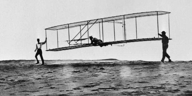 İlk sabit kanatlı uçak için 118 yıl önce patent başvurusu yapıldı
