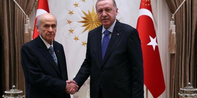 Bahçeli'den Erdoğan'a kongre tebriği