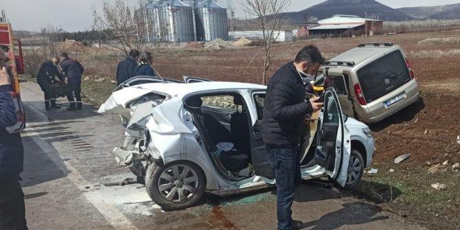 Amasya'da iki araç çarpıştı: 8 yaralı